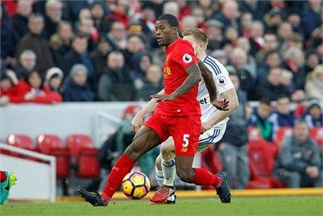 Nhoc nhan ha Sunderland, Liverpool bam sat Chelsea - Anh 1