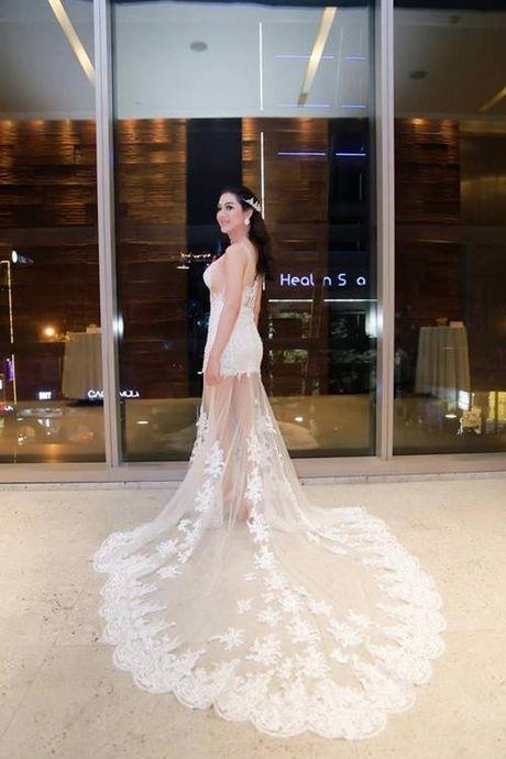 Lam Khanh Chi dien vay xuyen thau chang kem canh Huyen My, Ha Ho - Anh 6