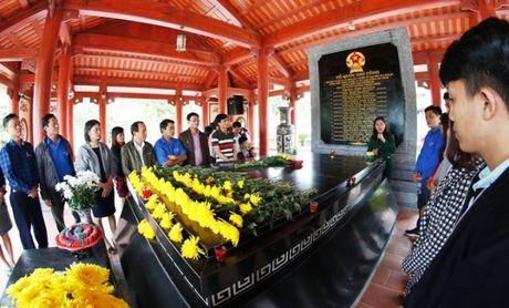 Doan Thanh nien Cuc QLDBIII 've nguon' bao cong dang Bac, tri an AHLS - Anh 10