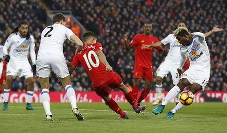 Coutinho dinh chan thuong kinh hoang khi Liverpool ha Sunderland 2-0 - Anh 1