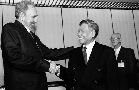 Hinh anh: Lanh tu Cuba Fidel Castro va cac nha lanh dao Viet Nam - Anh 11