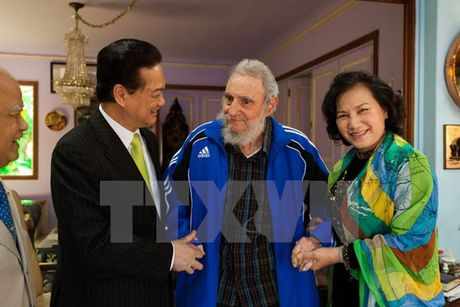 Hinh anh: Lanh tu Cuba Fidel Castro va cac nha lanh dao Viet Nam - Anh 16