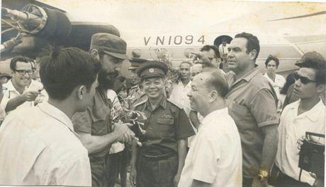 Hinh anh: Lanh tu Cuba Fidel Castro va cac nha lanh dao Viet Nam - Anh 2