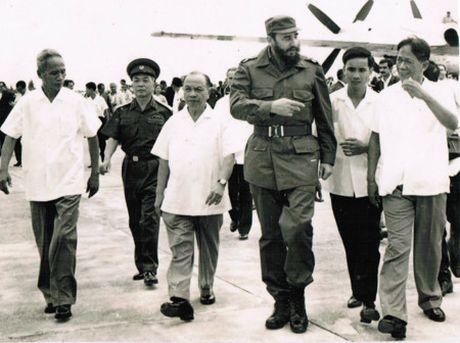 Hinh anh: Lanh tu Cuba Fidel Castro va cac nha lanh dao Viet Nam - Anh 3