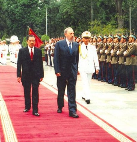 Hinh anh: Lanh tu Cuba Fidel Castro va cac nha lanh dao Viet Nam - Anh 9