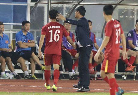Ai con dam bao HLV Huu Thang tin tuong Cong Phuong? - Anh 1