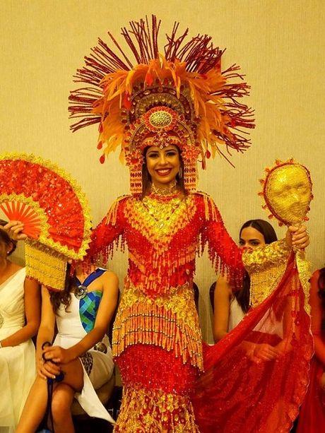 Hoa khoi Dieu Ngoc duoc khen khi thi tai nang Miss World - Anh 12