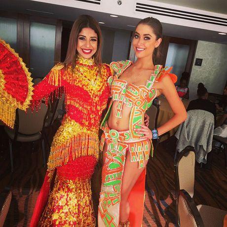Hoa khoi Dieu Ngoc duoc khen khi thi tai nang Miss World - Anh 13