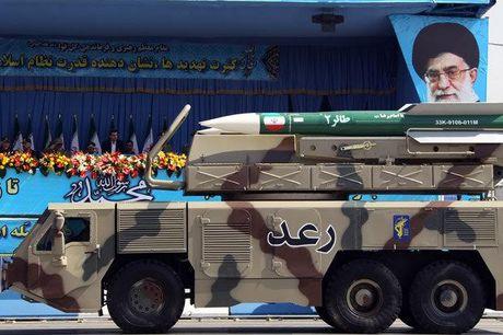 'Vu khi bi mat' cua Iran manh gap 10 lan vu khi hat nhan cua My - Anh 1
