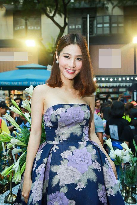 Hua Vi Van hy sinh than hinh sau mui vi 'Chay di roi tinh' - Anh 5