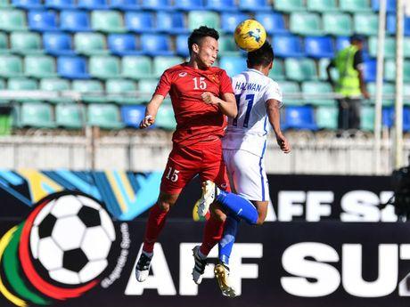 DT Viet Nam ap dao o doi hinh vong bang AFF Cup 2016 - Anh 2