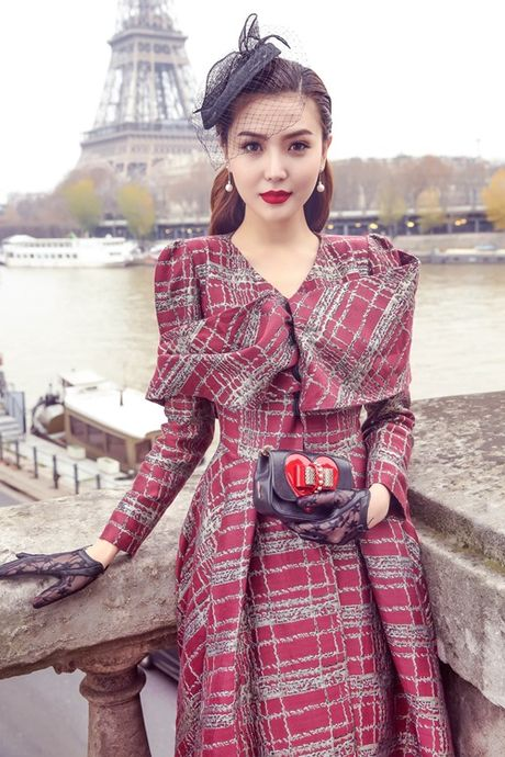 Ngoc Duyen khoe chan thang tap giua Paris - Anh 4