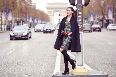 Ngoc Duyen khoe chan thang tap giua Paris - Anh 8