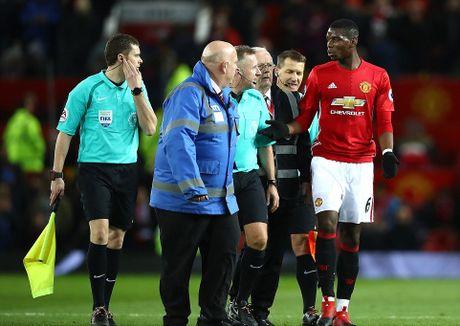 Mourinho lai len khan dai ngoi nhin Manchester United danh roi 2 diem - Anh 15