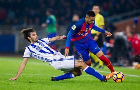 Messi ghi ban nhung van khong 'cuu' duoc Barcelona - Anh 1