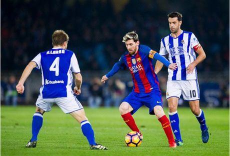 Messi ghi ban nhung van khong 'cuu' duoc Barcelona - Anh 4