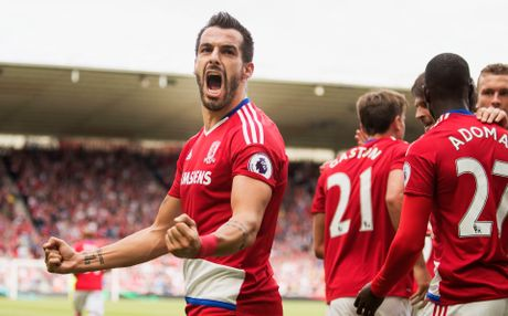 DHTB vong 13 Premier League: Co Pogba, khong Sanchez - Anh 3