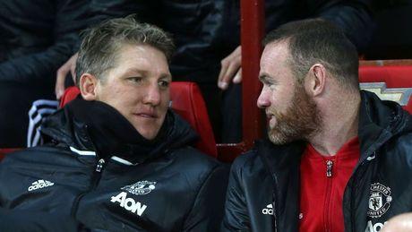 Vi Schweinsteiger, Man Utd phai tra gia - Anh 1
