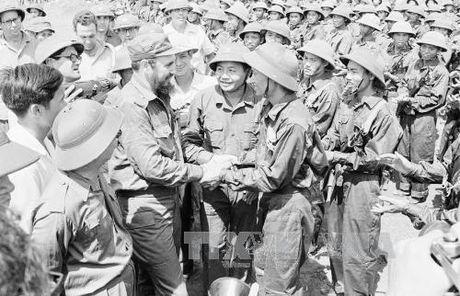 Chuyen tham lich su cua lanh tu Cuba Fidel Castro toi Quang Tri 1973 - Anh 2