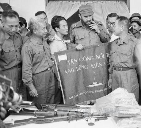 Chuyen tham lich su cua lanh tu Cuba Fidel Castro toi Quang Tri 1973 - Anh 3