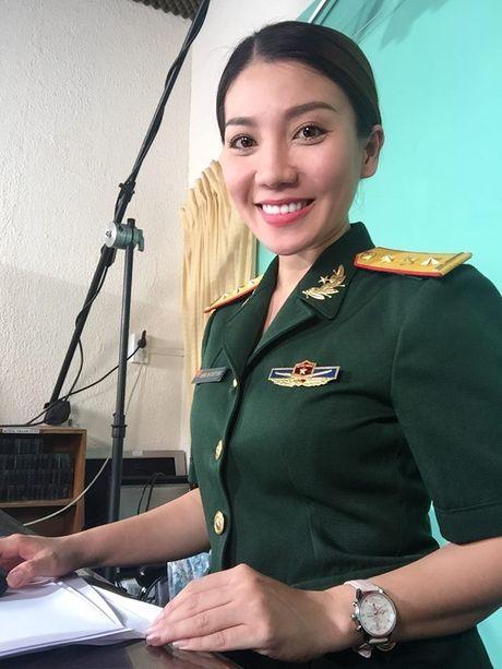 MC Tuyet Vinh dai Vinh Long phan phao sau su co 'ngoay mui' - Anh 6