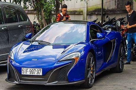 Minh Nhua lai sieu xe McLaren 650S 'nao loan' Sai Gon - Anh 1