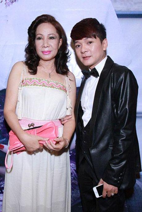 Vu Ha hanh phuc ben vo hon 8 tuoi the nao? - Anh 3