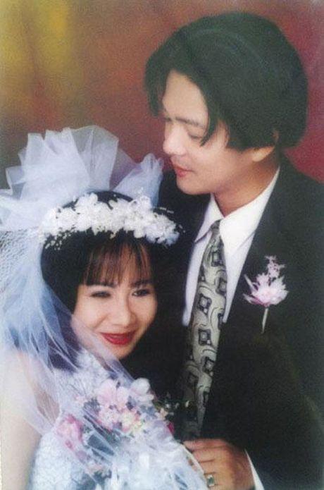 Vu Ha hanh phuc ben vo hon 8 tuoi the nao? - Anh 5