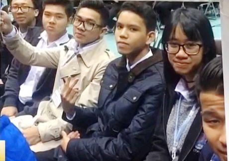 """Hoc sinh Viet Nam du """"Ngay the gioi nhan thuc ve song than"""" tai Nhat - Anh 1"""