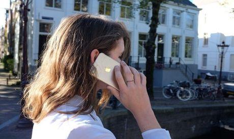 iPhone 7 bi ro song gay anh huong den nao - Anh 1