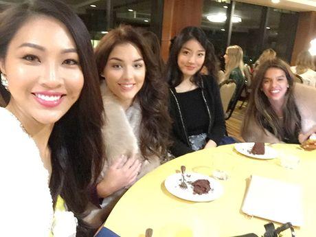 Dai dien Viet Nam gap su co khi thi Tai nang o Miss World - Anh 3