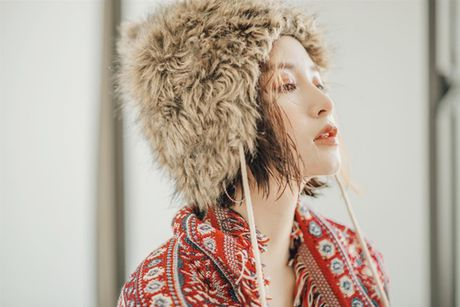 Sao Viet 28/11: Ha Tang kien quyet giau bung, Lilly Nguyen lo dui 'vi dai' - Anh 11
