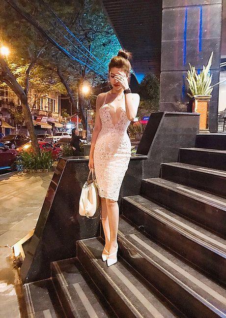 Sao Viet 28/11: Ha Tang kien quyet giau bung, Lilly Nguyen lo dui 'vi dai' - Anh 1