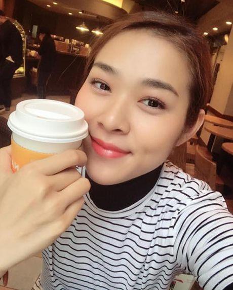 Sao Viet 28/11: Ha Tang kien quyet giau bung, Lilly Nguyen lo dui 'vi dai' - Anh 3