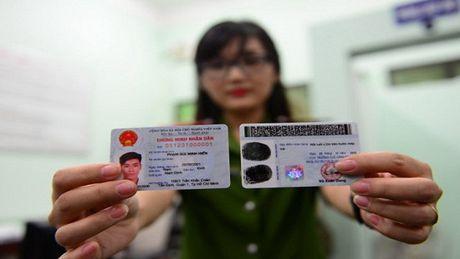 Lam gia Chung minh nhan dan gia hon 1.000 USD/chiec - Anh 1