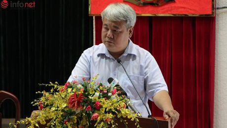 TP.HCM: Cuoc doi thoai cang thang bat ngo giua cu tri va Chu tich Quan - Anh 2