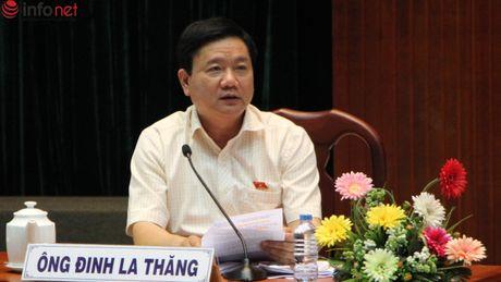 TP.HCM: Cuoc doi thoai cang thang bat ngo giua cu tri va Chu tich Quan - Anh 3