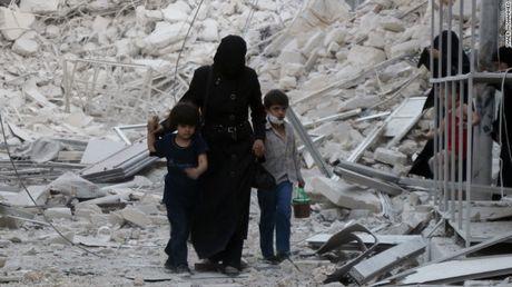 Quan doi Syria tien sau vao mien dong Aleppo, de doa 'hat cang' quan noi day - Anh 1