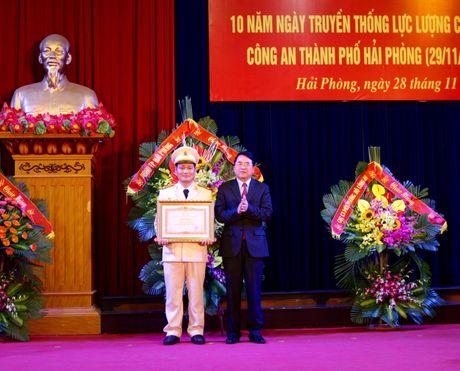 Canh sat moi truong Hai Phong duoc Thu tuong tang bang khen - Anh 2