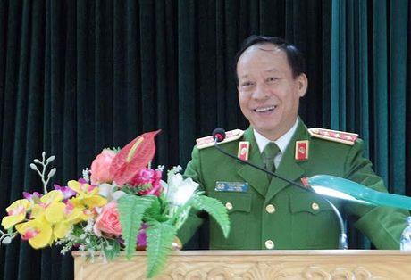 Thu truong Le Quy Vuong tiep xuc cu tri tinh Hung Yen - Anh 3
