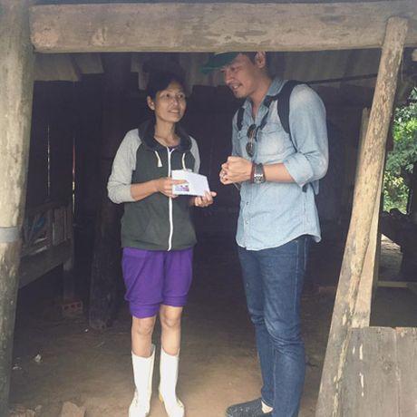 """Spa cua MC Phan Anh lot top """"100 dich vu Vang Viet Nam 2016"""" - Anh 1"""