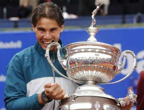 Tennis 24/7: Del Potro gay ngon tay van giup Argentina vo dich - Anh 4