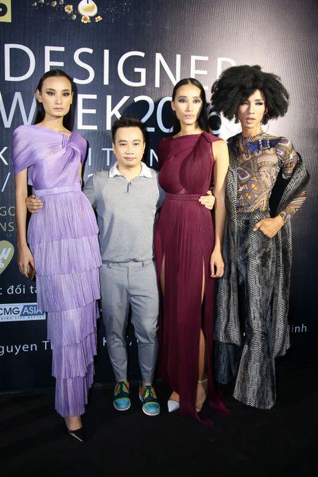 Thanh Ha dong vien Vuong Thu Phuong tro lai showbiz - Anh 1
