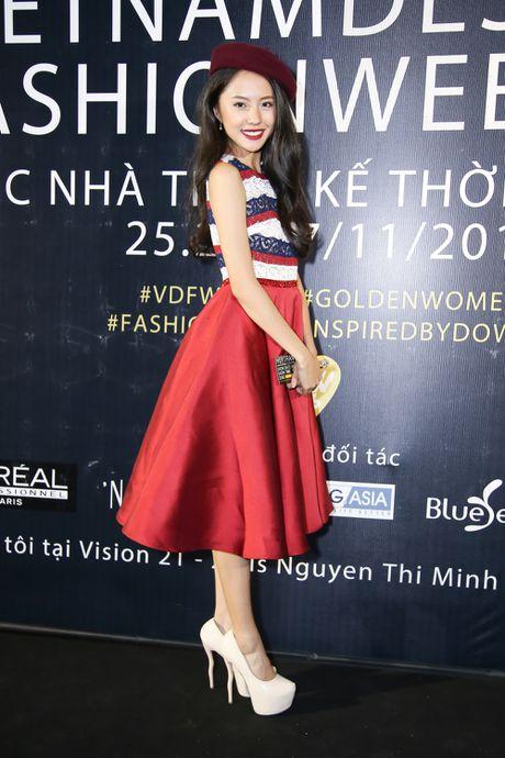Thanh Ha dong vien Vuong Thu Phuong tro lai showbiz - Anh 8