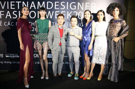Thanh Ha dong vien Vuong Thu Phuong tro lai showbiz - Anh 9