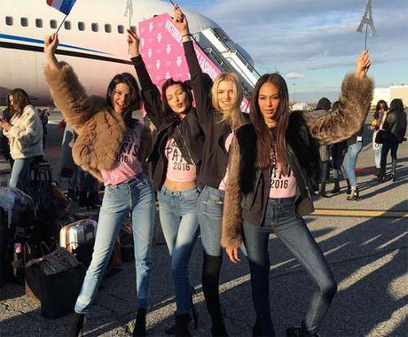 Can canh dan chan dai Victoria's Secret do bo Paris - Anh 4