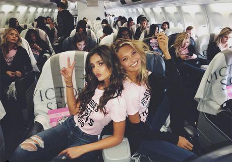 Can canh dan chan dai Victoria's Secret do bo Paris - Anh 7