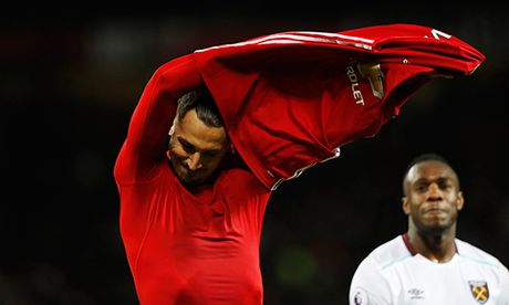 Hoa West Ham, Man Utd lai san bang mot ky luc cu - Anh 1