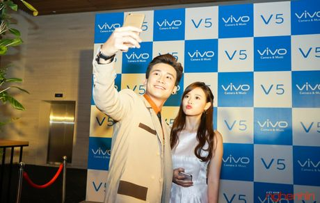 Vivo V5 camera selfie 20MP ra mat thi truong Viet gia 6 trieu - Anh 2