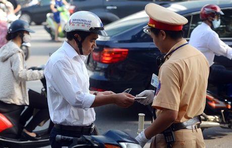 CSGT Ha Noi se kiem tra xe chinh chu bang thiet bi thong minh - Anh 1